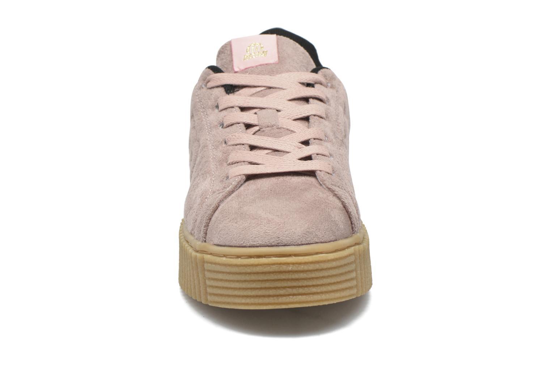 Sneakers MTNG Crepa Marrone modello indossato