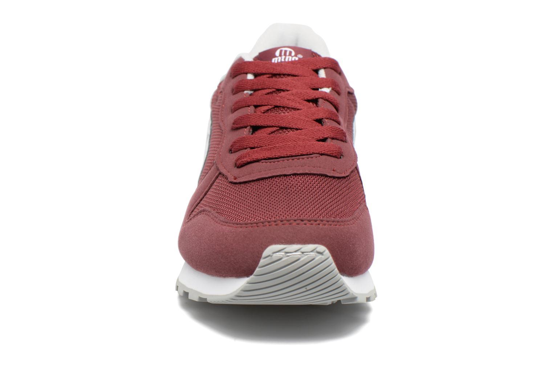 Baskets MTNG Jakomo 83540 Bordeaux vue portées chaussures
