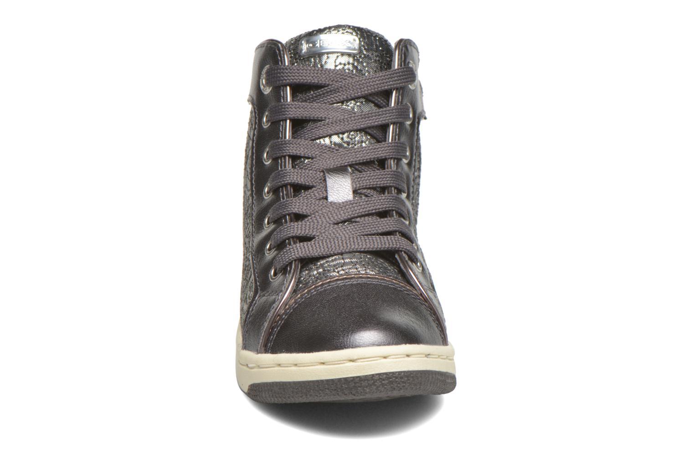 Sneaker Geox J Creamy E J62L5E silber schuhe getragen