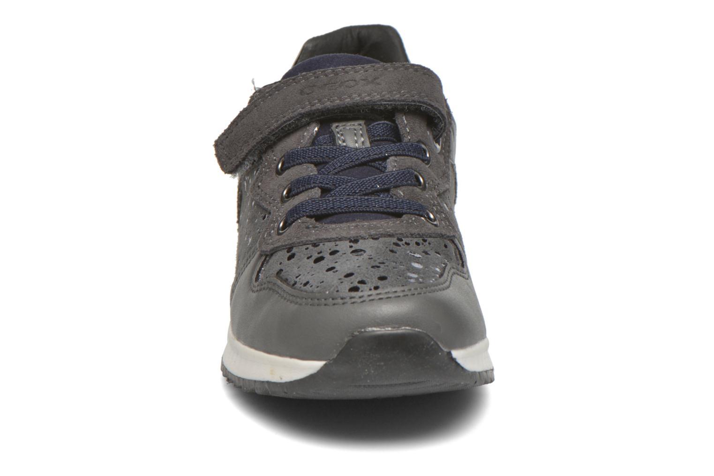 Baskets Geox J Maisie G. E J6403E Gris vue portées chaussures