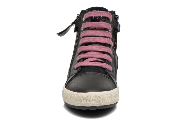 Sneakers Geox J Witty B J64C8B Nero modello indossato