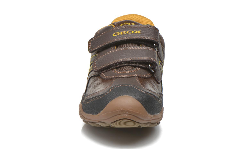 Chaussures à scratch Geox J Arno A J64F0A Marron vue portées chaussures