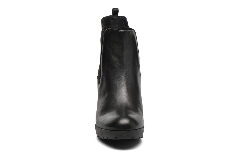 Bottines et boots Georgia Rose Anateau Noir vue portées chaussures