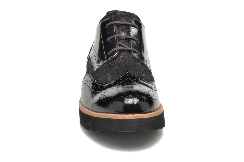 Zapatos con cordones Gabor Susan Gris vista del modelo