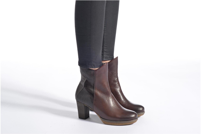 Bottines et boots Gabor Aurora Marron vue bas / vue portée sac