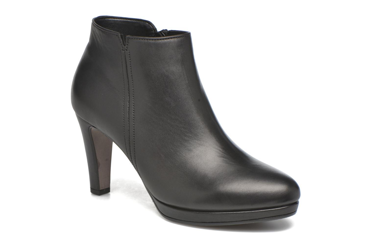 Ankle boots Gabor Anne Black detailed view/ Pair view