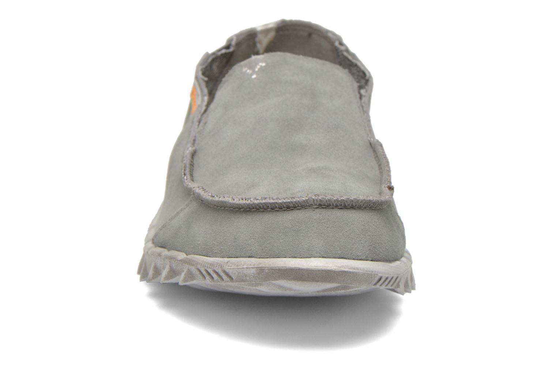 Loafers DUDE Farty Suede Grå bild av skorna på