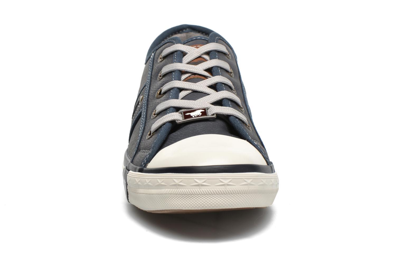 Baskets Mustang shoes Pluy Bleu vue portées chaussures