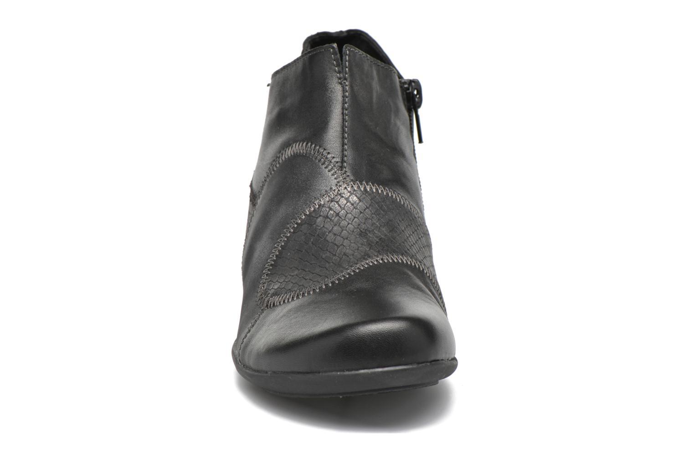 Bottines et boots Remonte Iris D7383 Noir vue portées chaussures