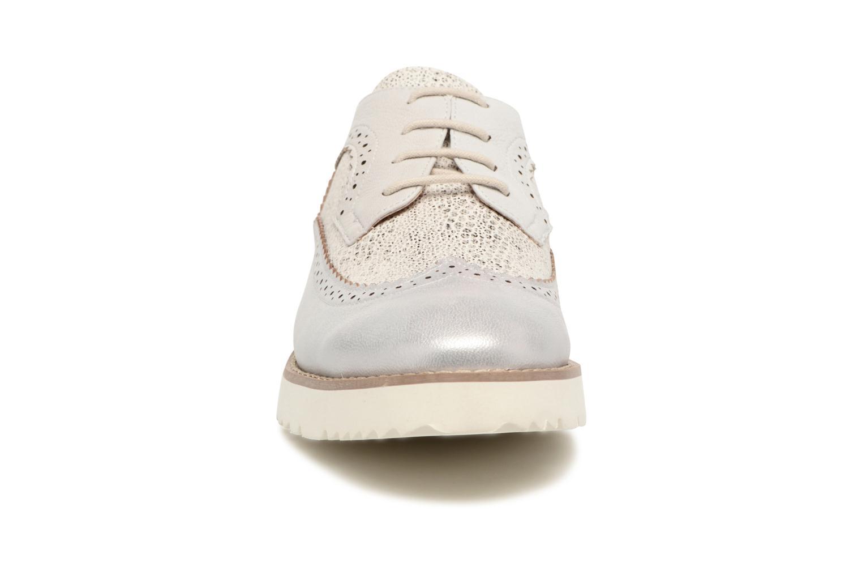 Schnürschuhe Karston Olago silber schuhe getragen