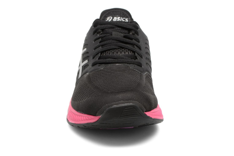 Scarpe sportive Asics Fuzex W Nero modello indossato