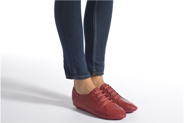 Chaussures à lacets TBS Charlyn Noir vue bas / vue portée sac