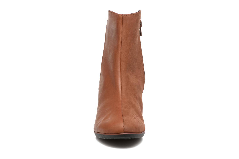 Bottines et boots TBS Katelyn Marron vue portées chaussures