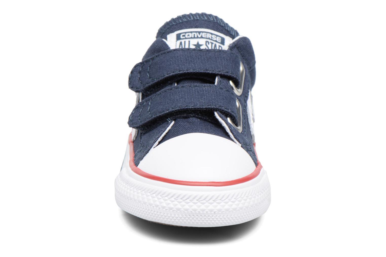 Sneakers Converse Star Player 2V Ox Azzurro modello indossato
