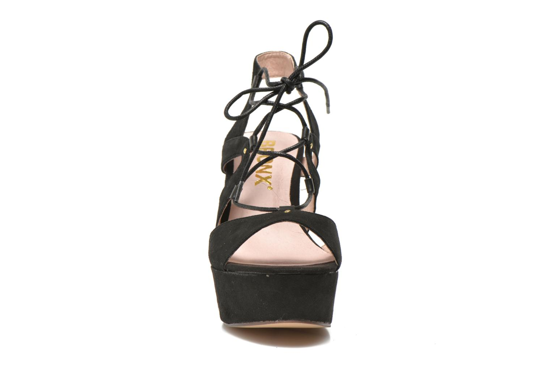 Sandali e scarpe aperte Bronx Jada Nero modello indossato