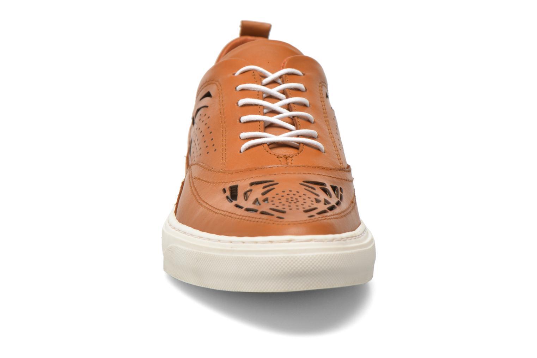 Baskets Bronx Mec 4 Marron vue portées chaussures