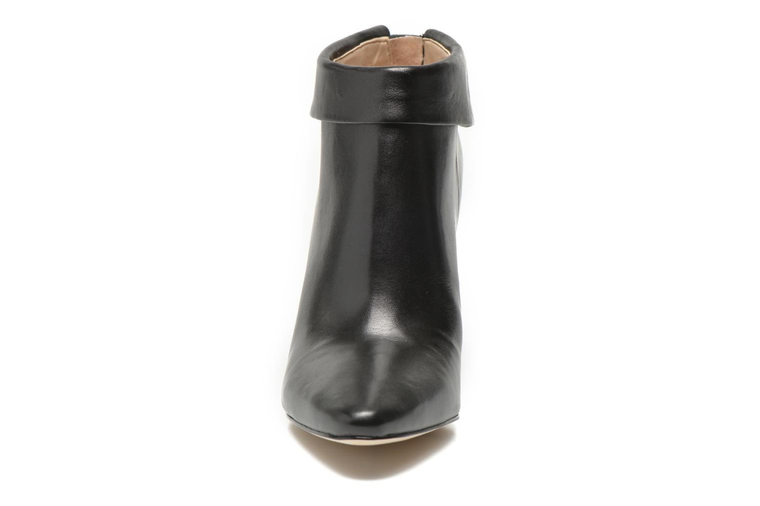 Ankle boots Guess Vena Black model view