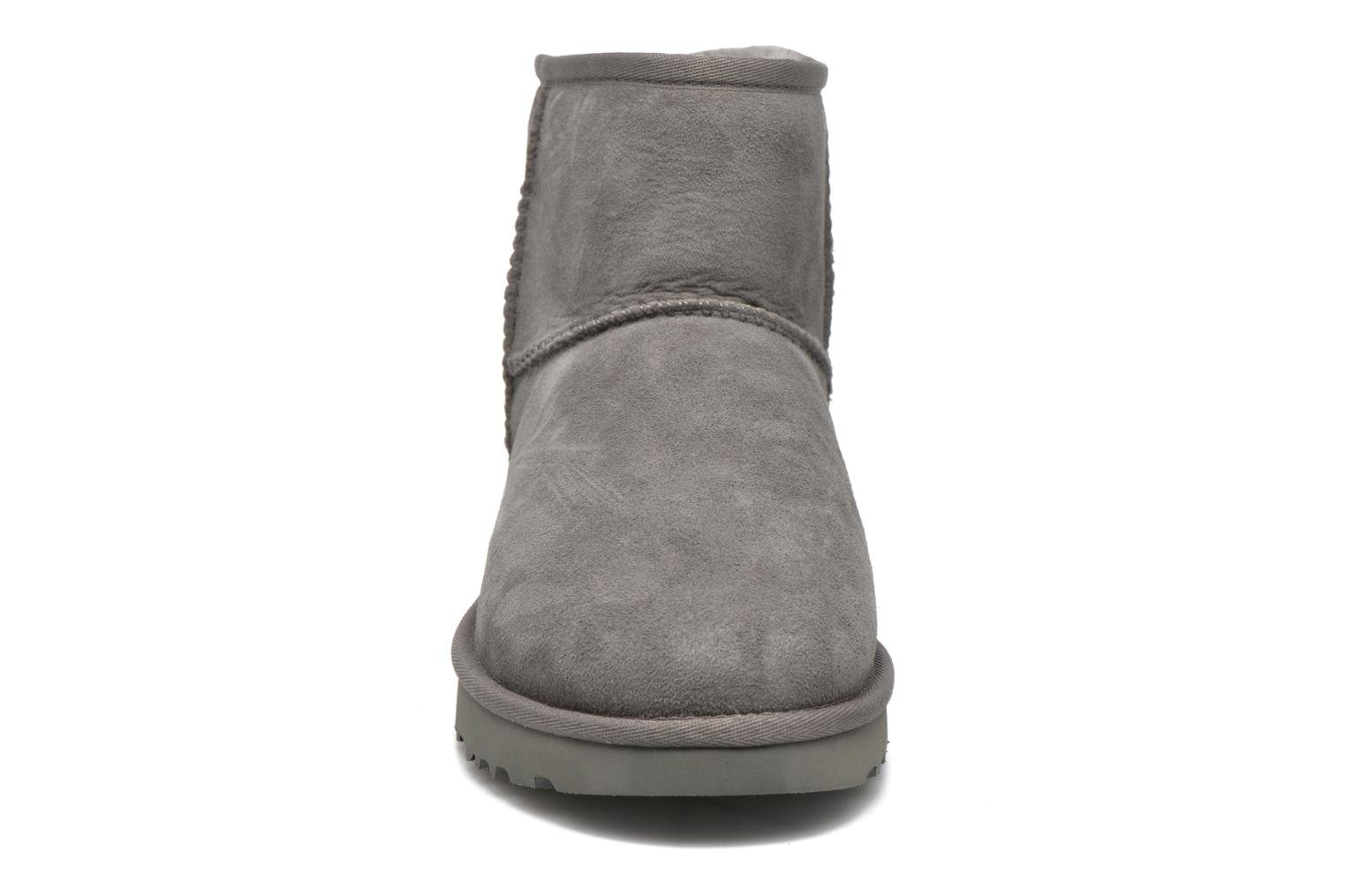 Ankle boots UGG W Classic Mini II Grey model view