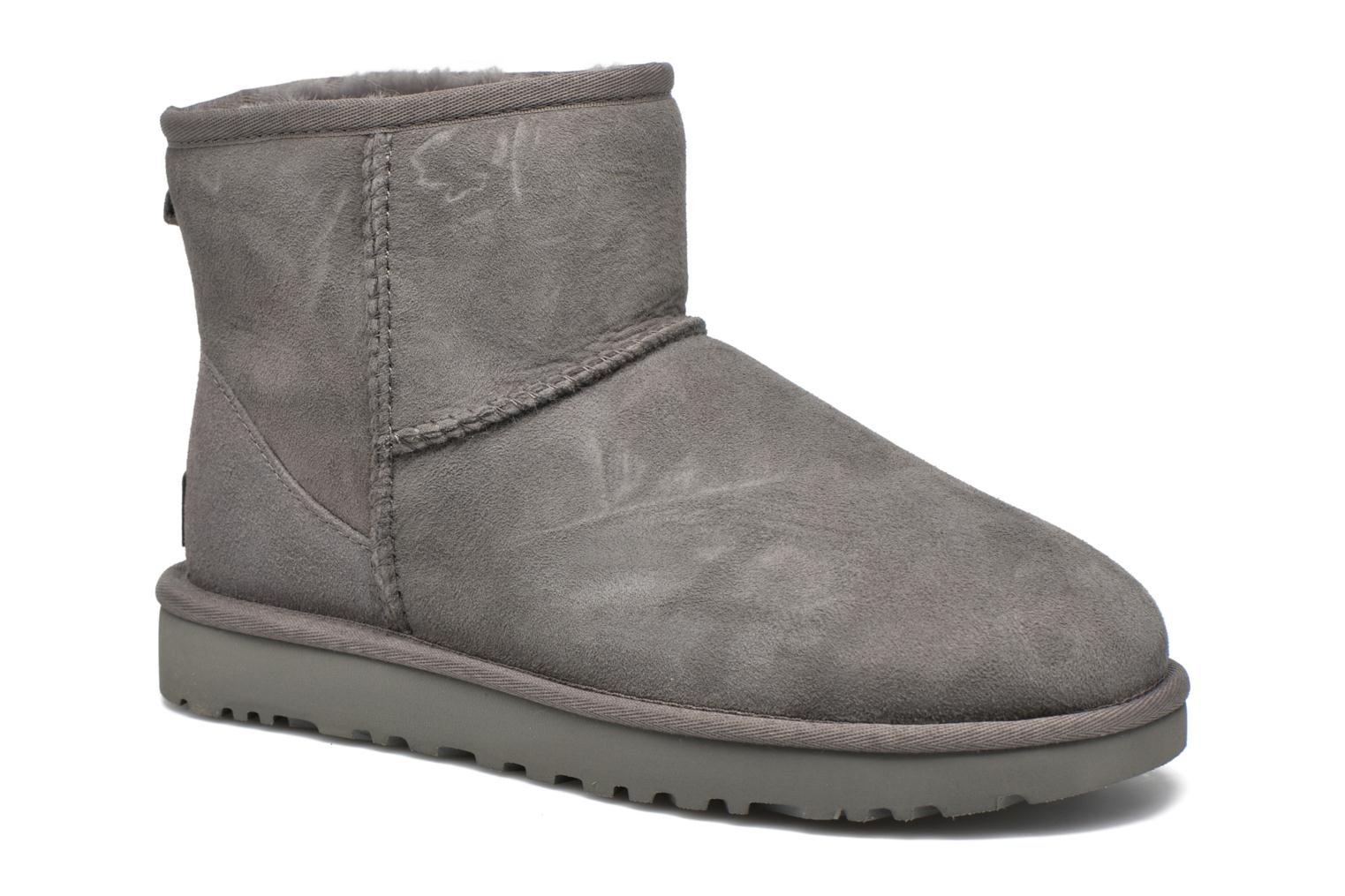 Ankle boots UGG W Classic Mini II Grey detailed view/ Pair view