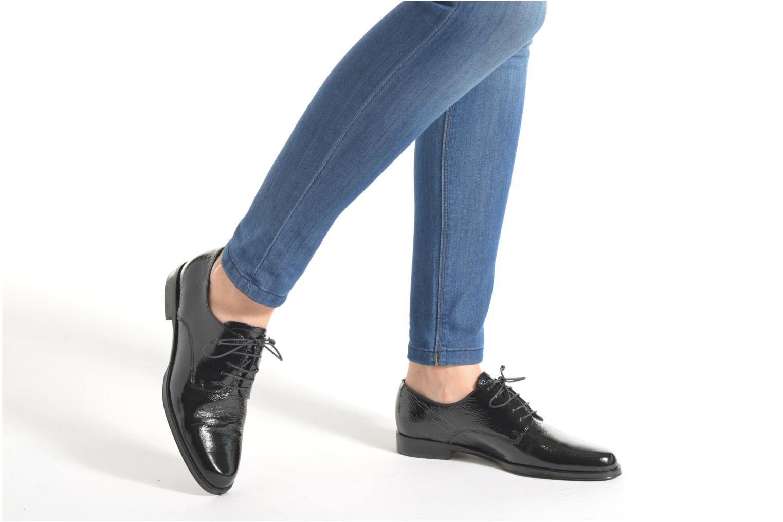 Lace-up shoes Elizabeth Stuart Copra 305 Black view from underneath / model view