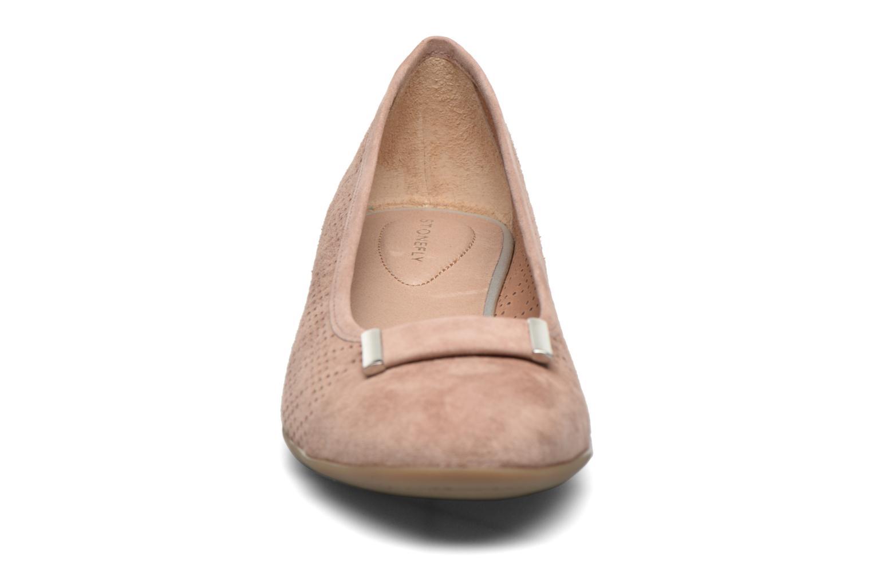 Ballerines Stonefly Maggie II 2 Pig Nubuck Beige vue portées chaussures