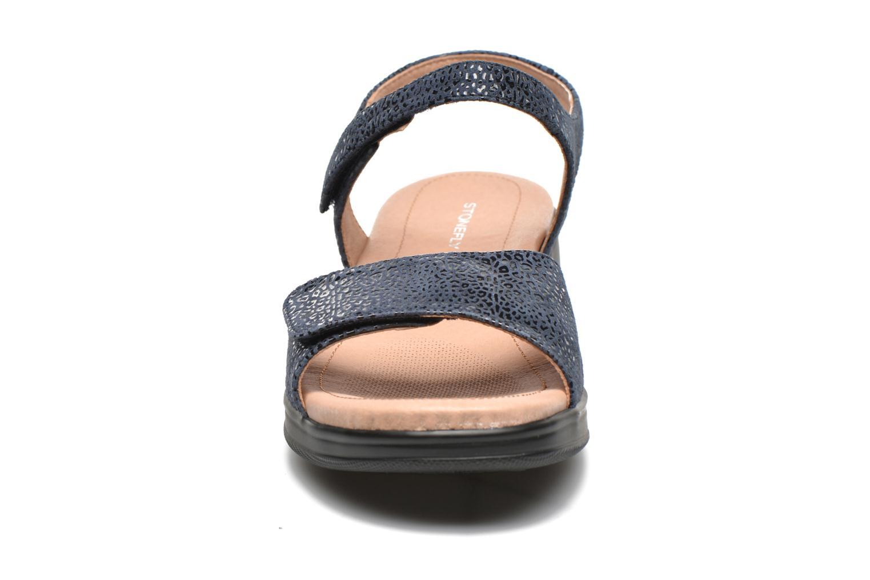 Sandales et nu-pieds Stonefly Aqua II 7 Goat Bleu vue portées chaussures