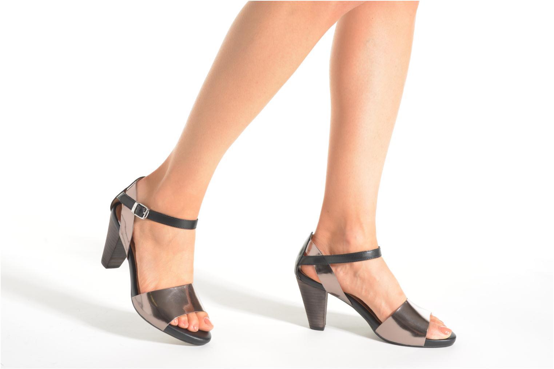 Sandalen Stonefly Dayla 1 schwarz ansicht von unten / tasche getragen