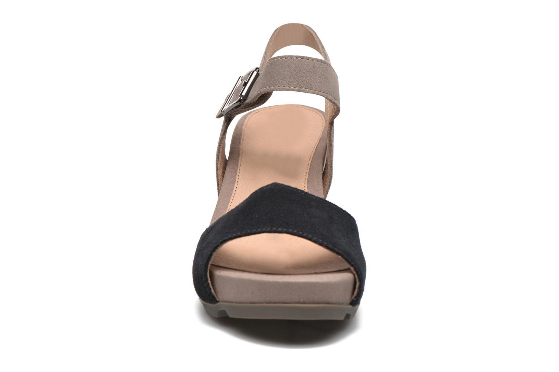 Sandali e scarpe aperte Stonefly Anita 1 Velour Azzurro modello indossato