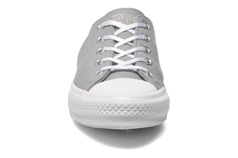 Baskets Converse Chuck Taylor All Star Gemma Twill Ox Gris vue portées chaussures