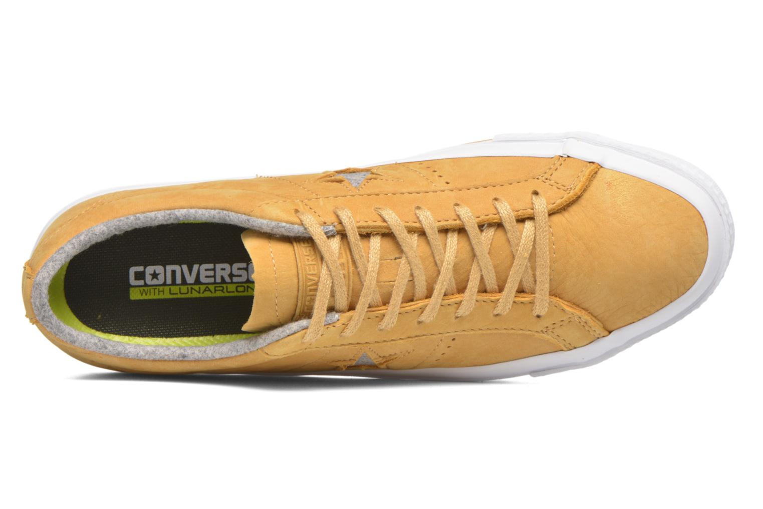 Trainers Converse One Star Nubuck Ox M Yellow view from the left