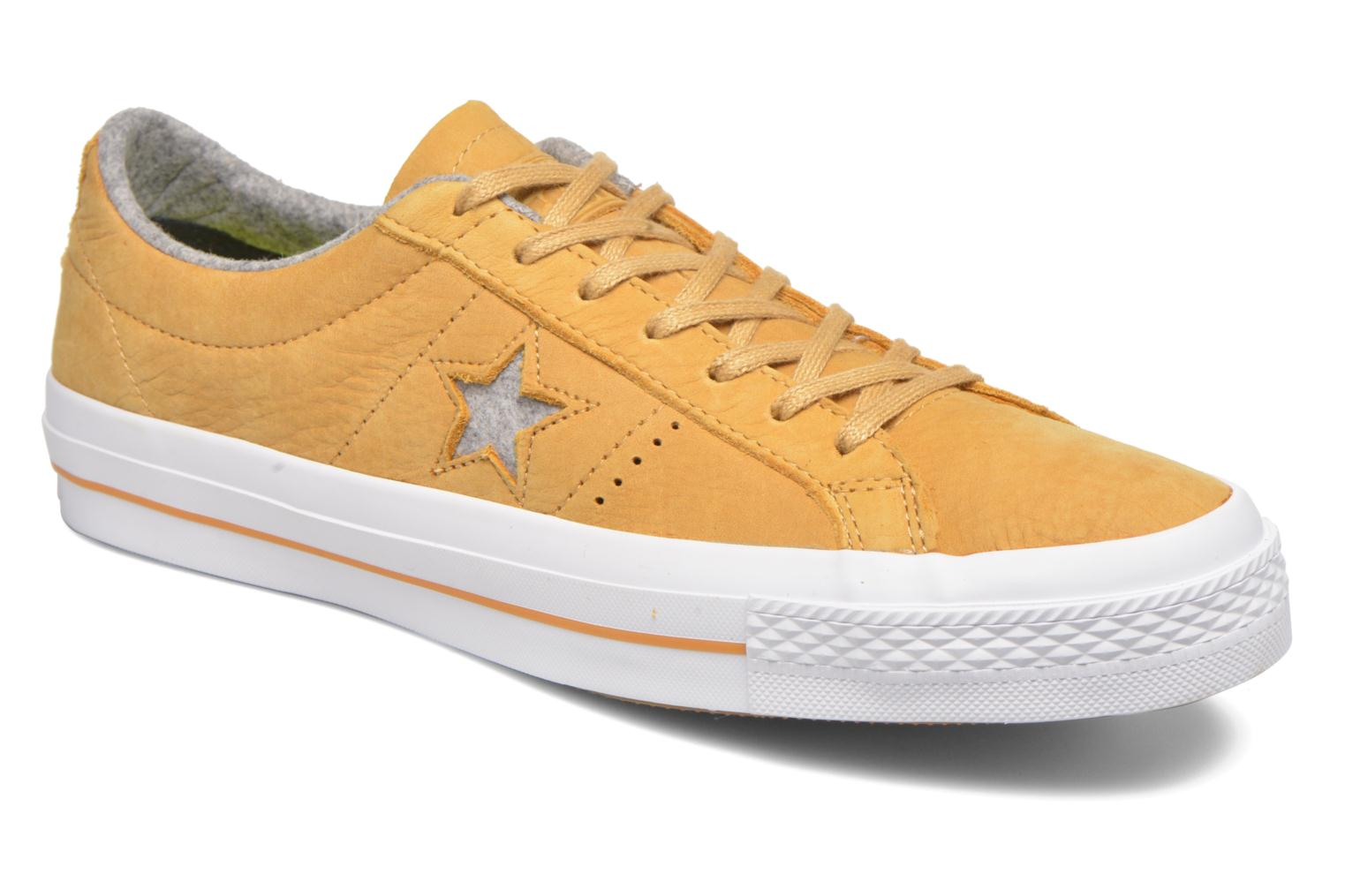 Trainers Converse One Star Nubuck Ox M Yellow detailed view/ Pair view