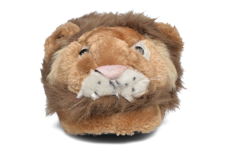 Pantuflas Sleeperz Lions Marrón vista del modelo