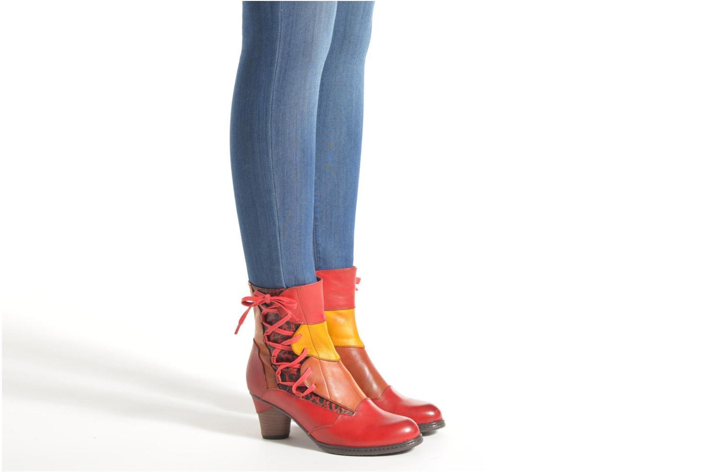 Bottines et boots Laura Vita Anabelle08 Rouge vue bas / vue portée sac