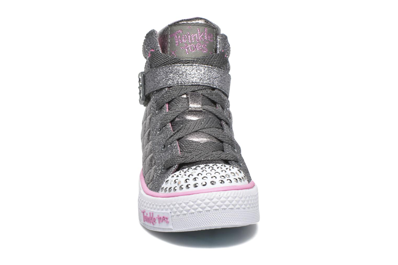 Sneakers Skechers Shuffles Sweetheart Sole Argento modello indossato