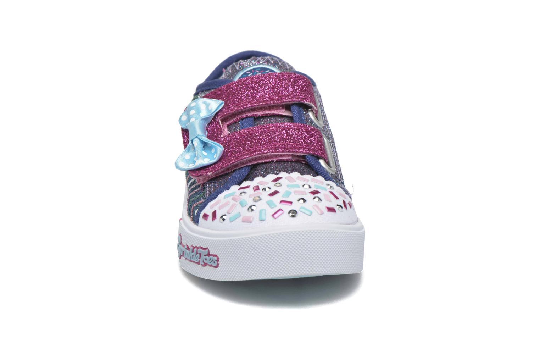 Baskets Skechers Skippers Polkadot Doodles Bleu vue portées chaussures