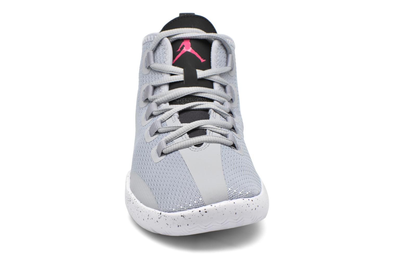 Baskets Jordan Jordan Reveal Gg Gris vue portées chaussures