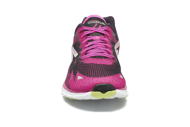 Chaussures de sport Skechers Go Run 4-2016 Rose vue portées chaussures