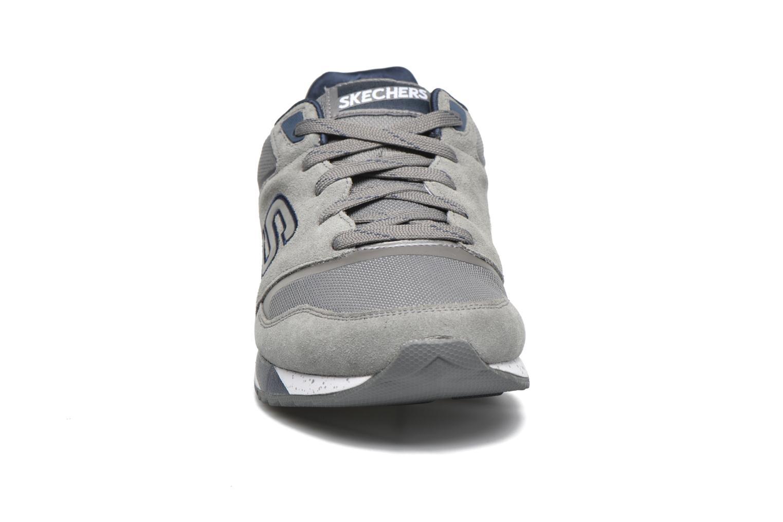 Baskets Skechers OG-90 Gris vue portées chaussures