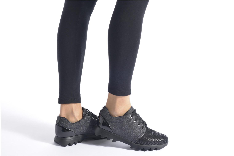 Sneaker Stonefly Speedy Lady 3 schwarz ansicht von unten / tasche getragen