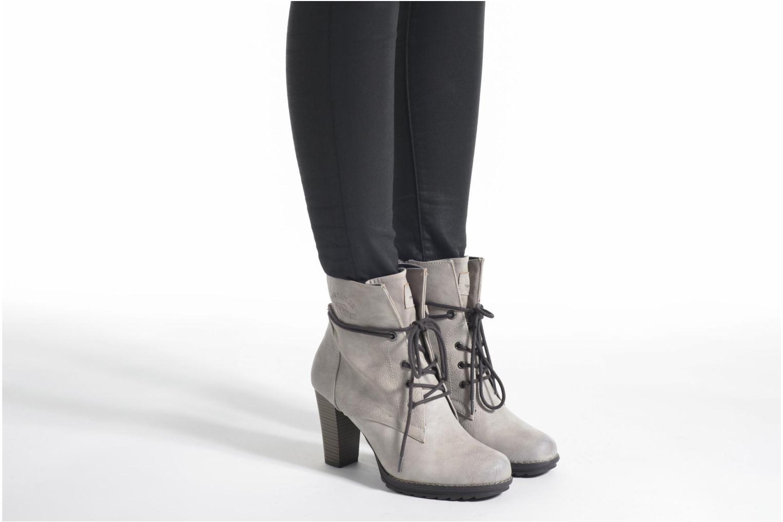Stiefeletten & Boots Tom Tailor Hanna braun ansicht von unten / tasche getragen