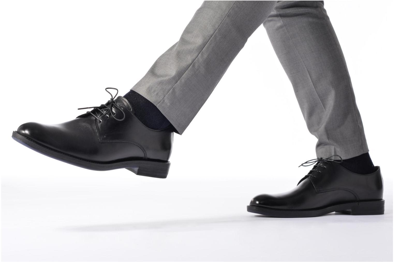 Chaussures à lacets Mr SARENZA Nills Marron vue bas / vue portée sac