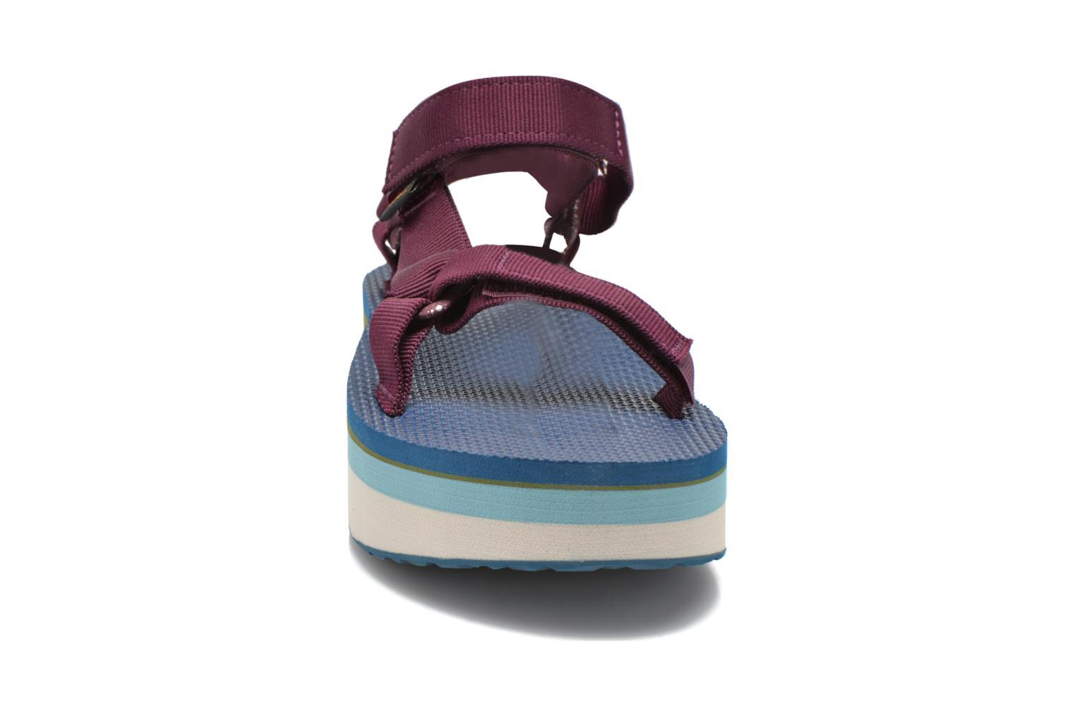 Sandali e scarpe aperte Teva Flatform Universal Retro Viola modello indossato