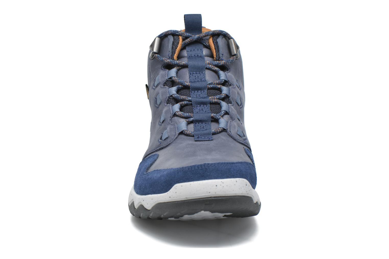 Chaussures de sport Teva Arrowood Lux Mid WP Bleu vue portées chaussures