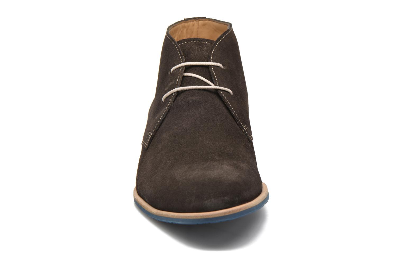 Zapatos con cordones HE Spring Andy Marrón vista del modelo