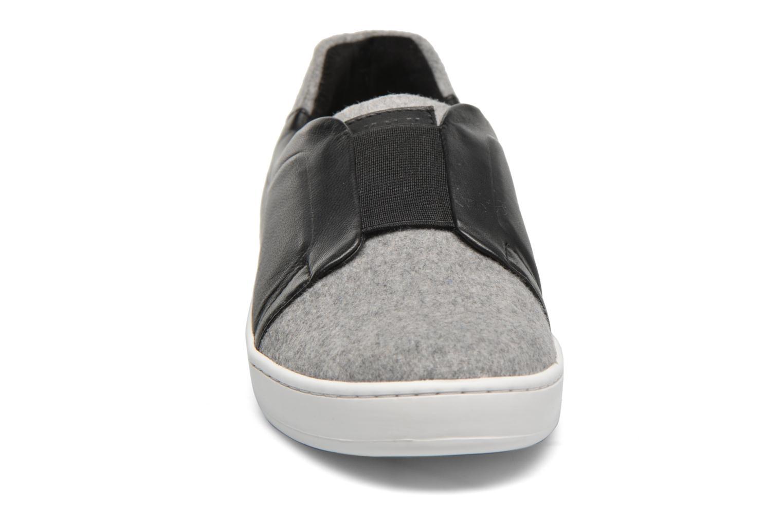 Baskets DKNY Bobbi Classic court Noir vue portées chaussures