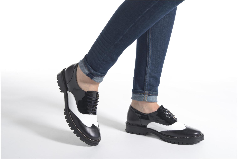 Chaussures à lacets MAURICE manufacture Plutarco Noir vue bas / vue portée sac