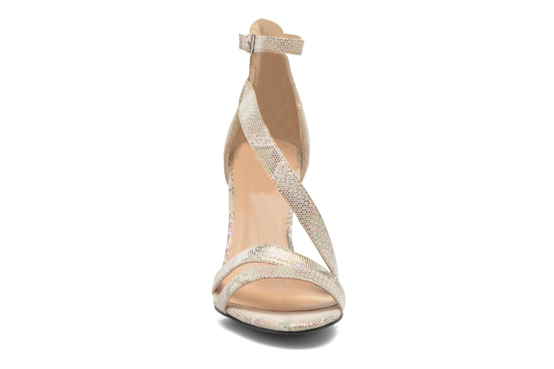 Sandales et nu-pieds Divine Factory Flufia Beige vue portées chaussures