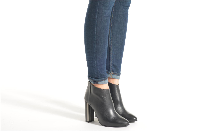 Stiefeletten & Boots Buffalo Francesca schwarz ansicht von unten / tasche getragen