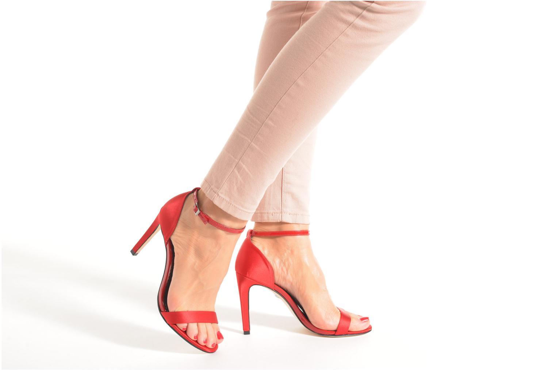 Sandalen Buffalo Gionova rot ansicht von unten / tasche getragen
