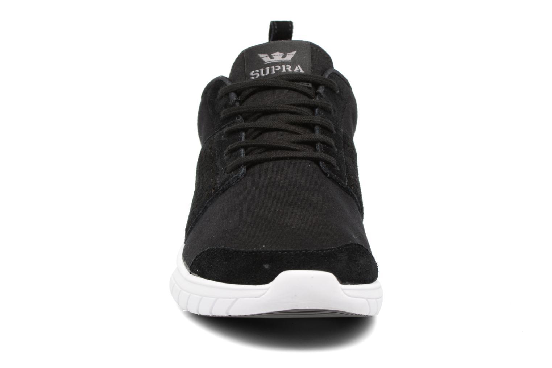 Baskets Supra Scissor Noir vue portées chaussures